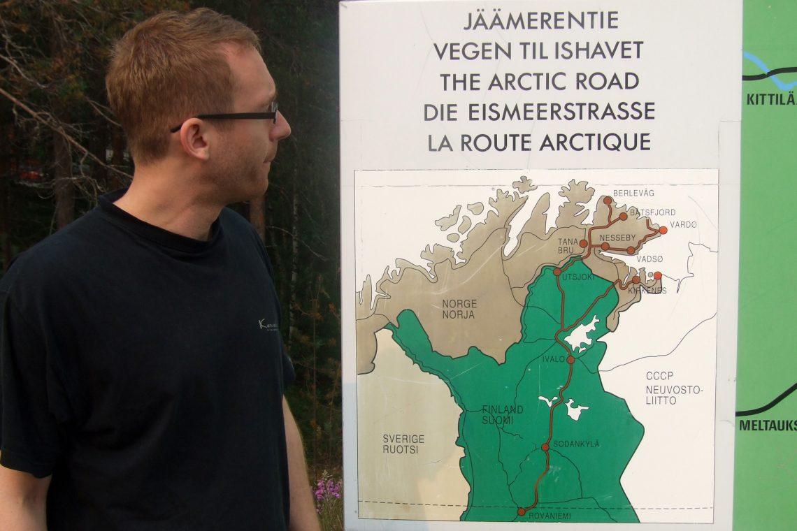 murmansk challenge jiri in finland looking at map