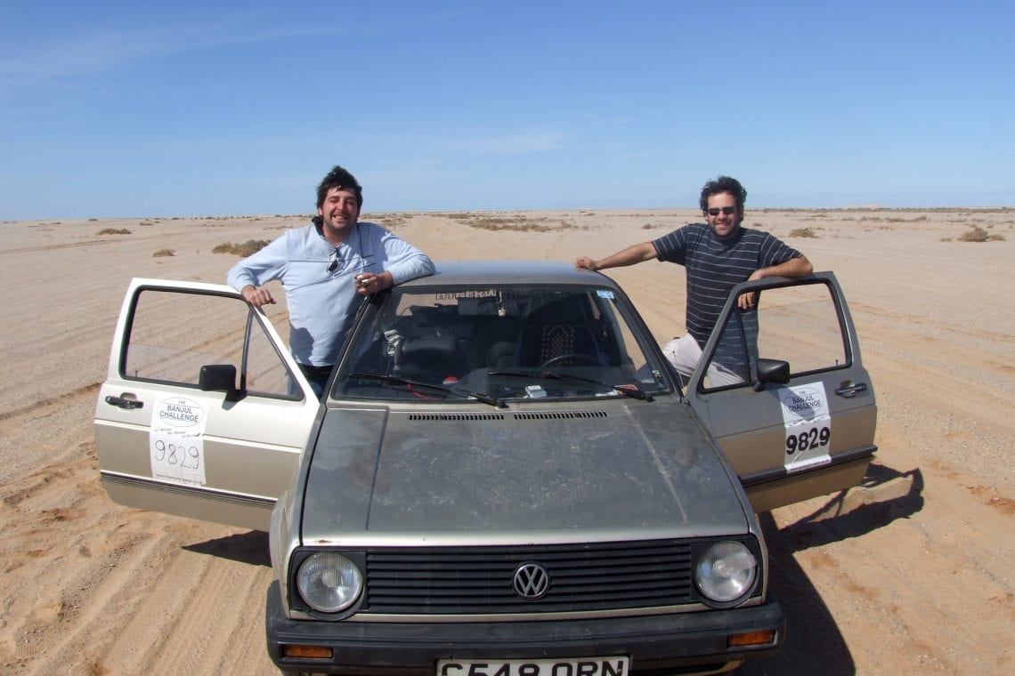 banjul challenge lee and maz with the car in the sahara