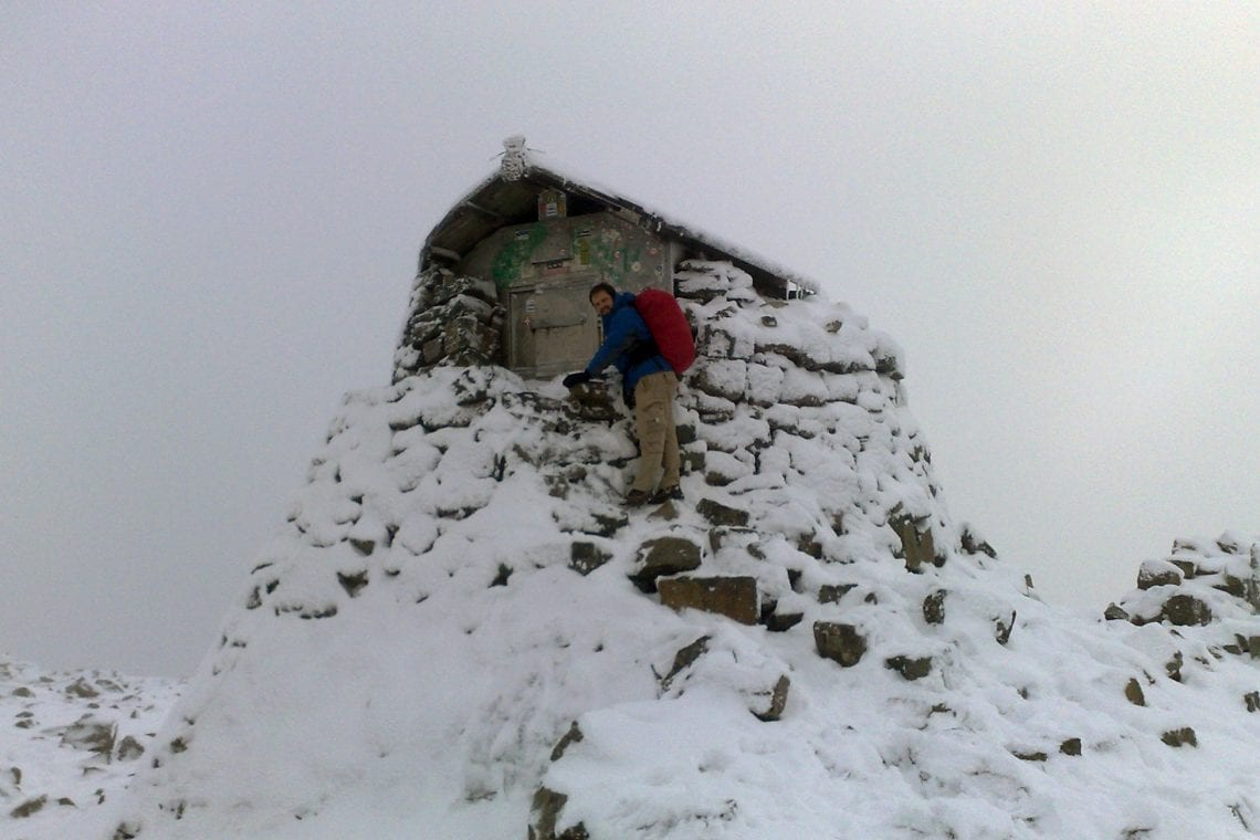 ben nevis refuage at the top