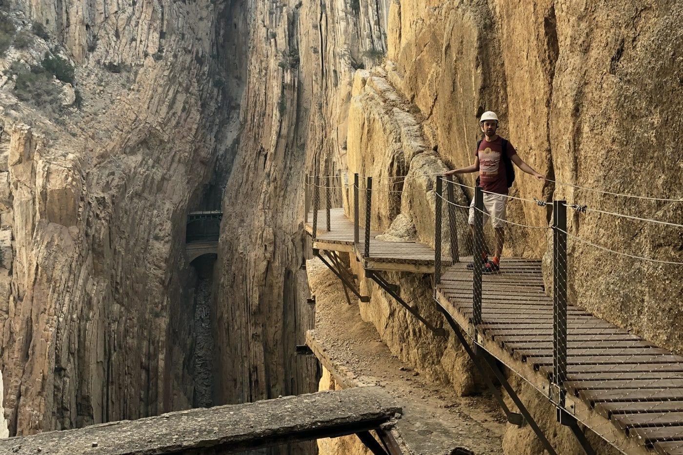 caminito del rey dan walking the path
