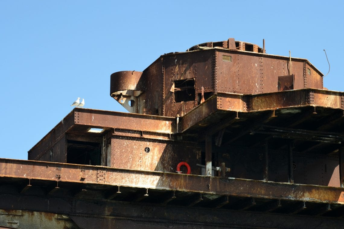 maunsell forts the rust is slowly taking over