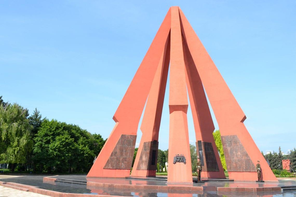 moldova victory memorial 2