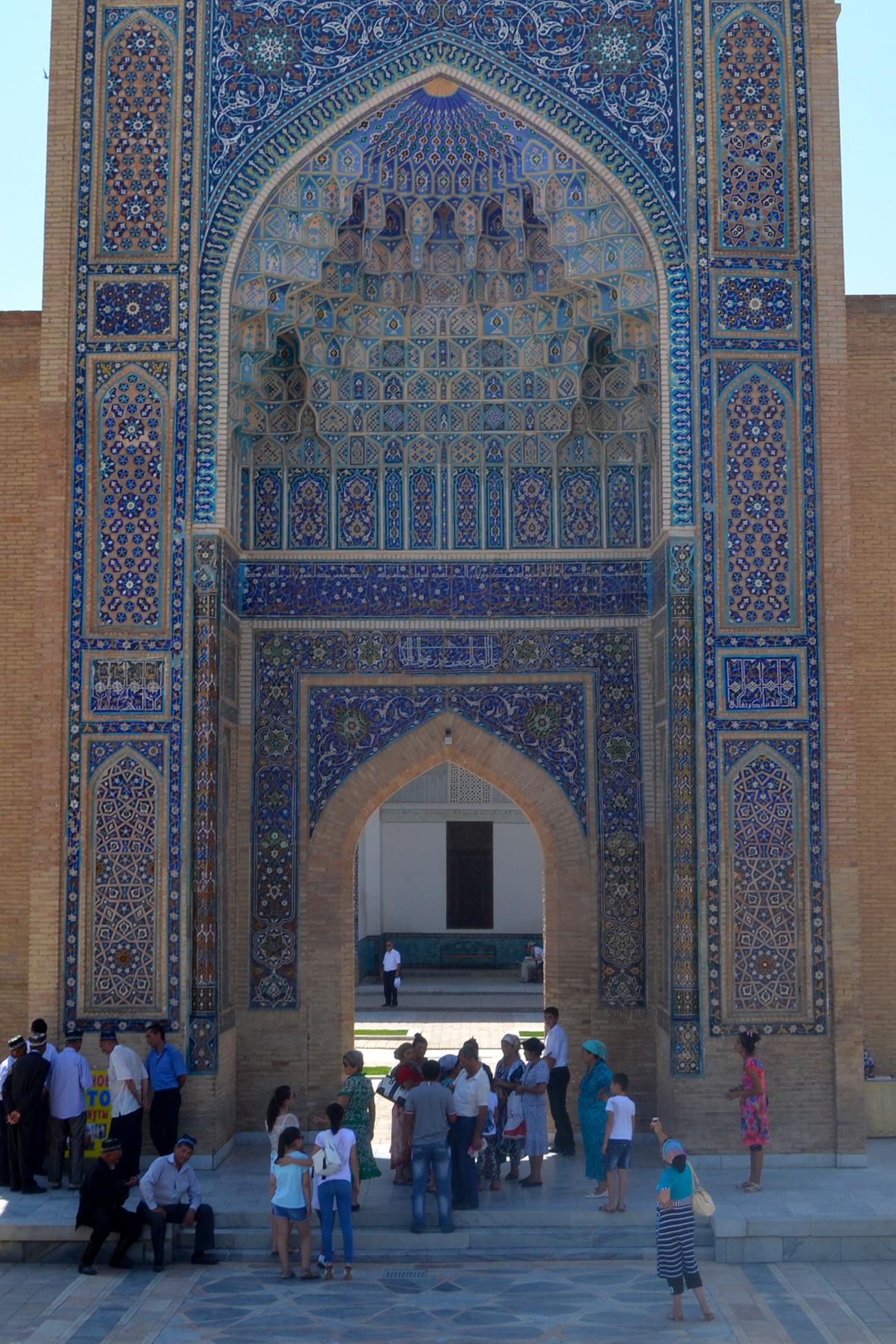 mongol rally visitors at registan in samarkand uzbekistan