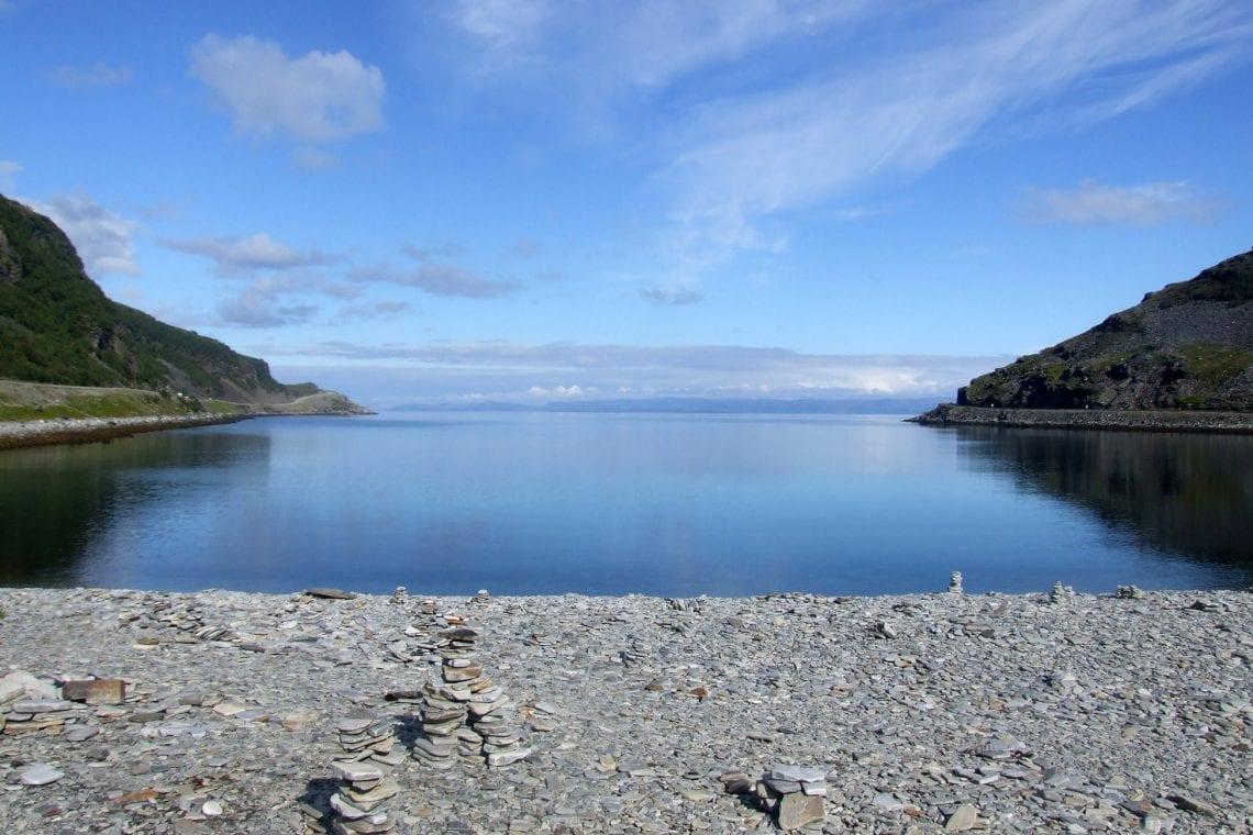 murmansk challenge a beach in northern norway
