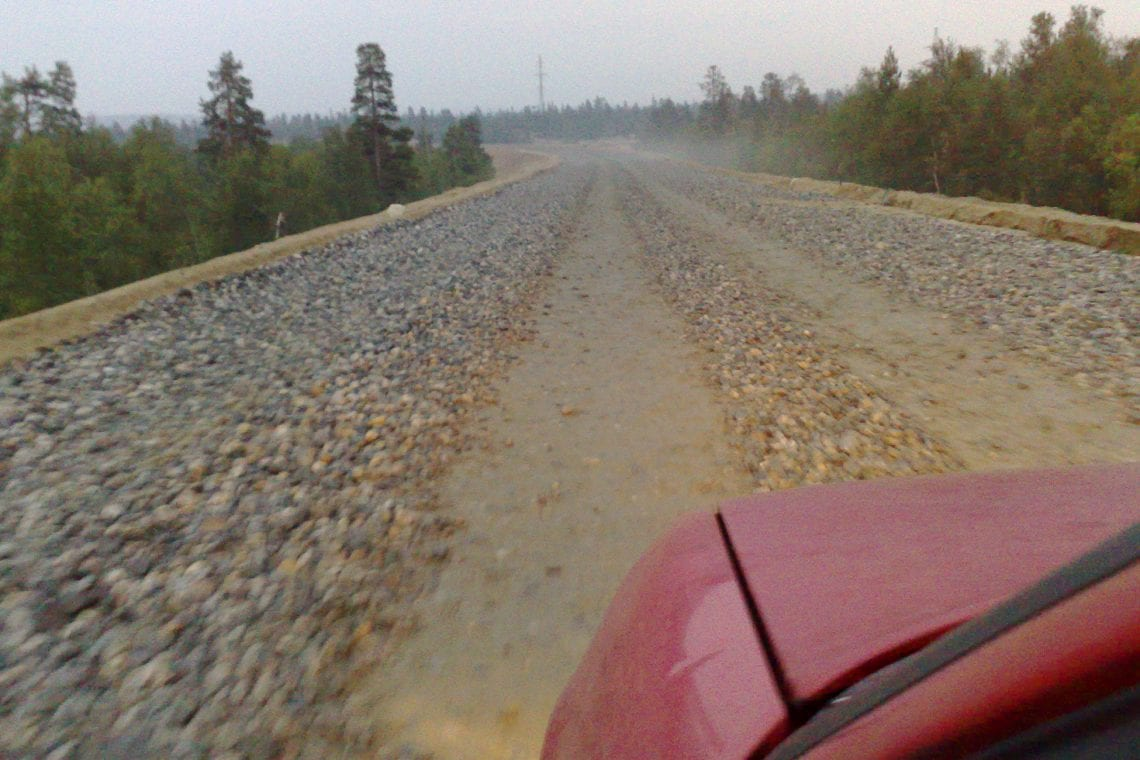 murmansk challenge driving over the unfinished moterway in russia