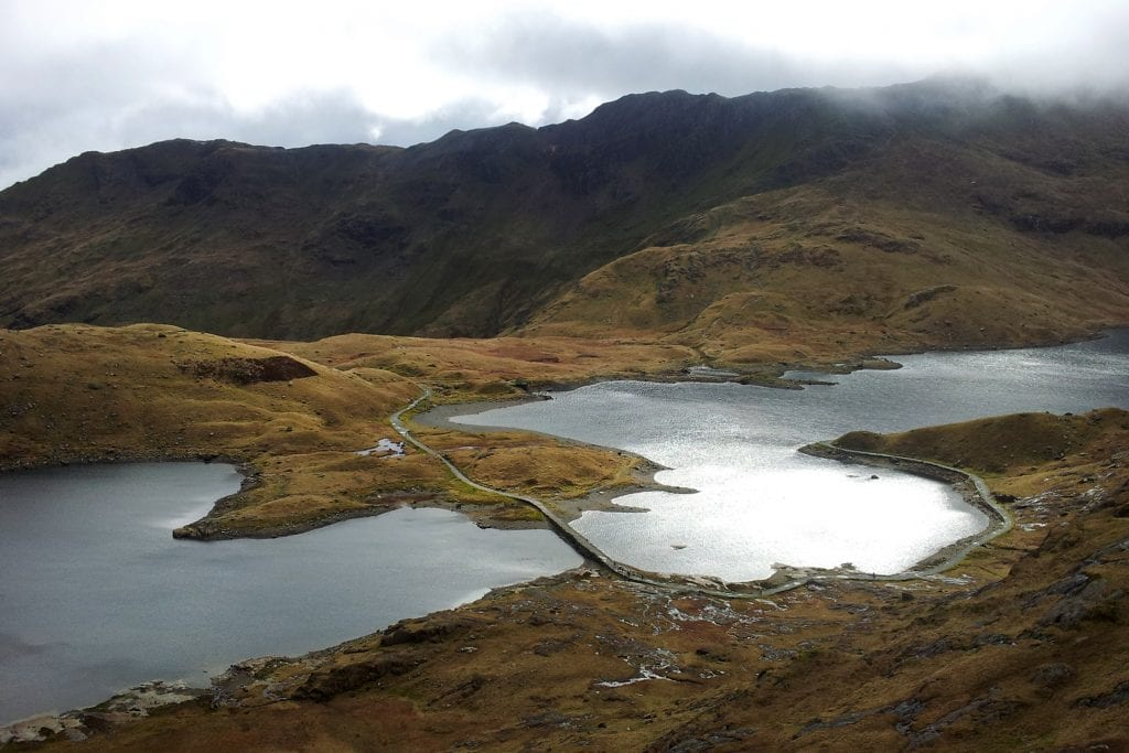 snowdon the lakes by the minners track