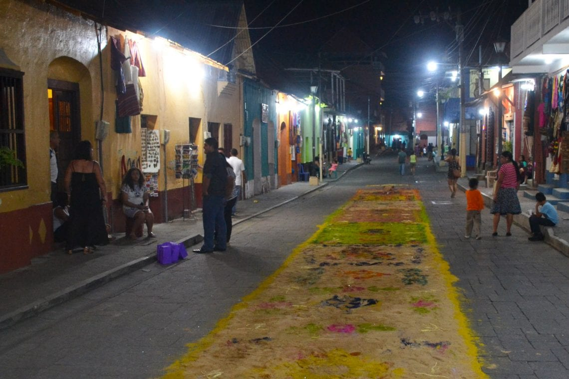 central america taster flores at night