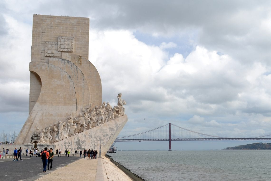 lisbon and porto the monument to the discoveriers